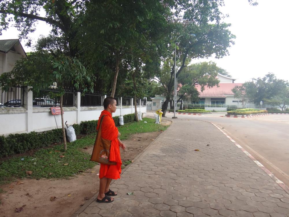 laos-monk