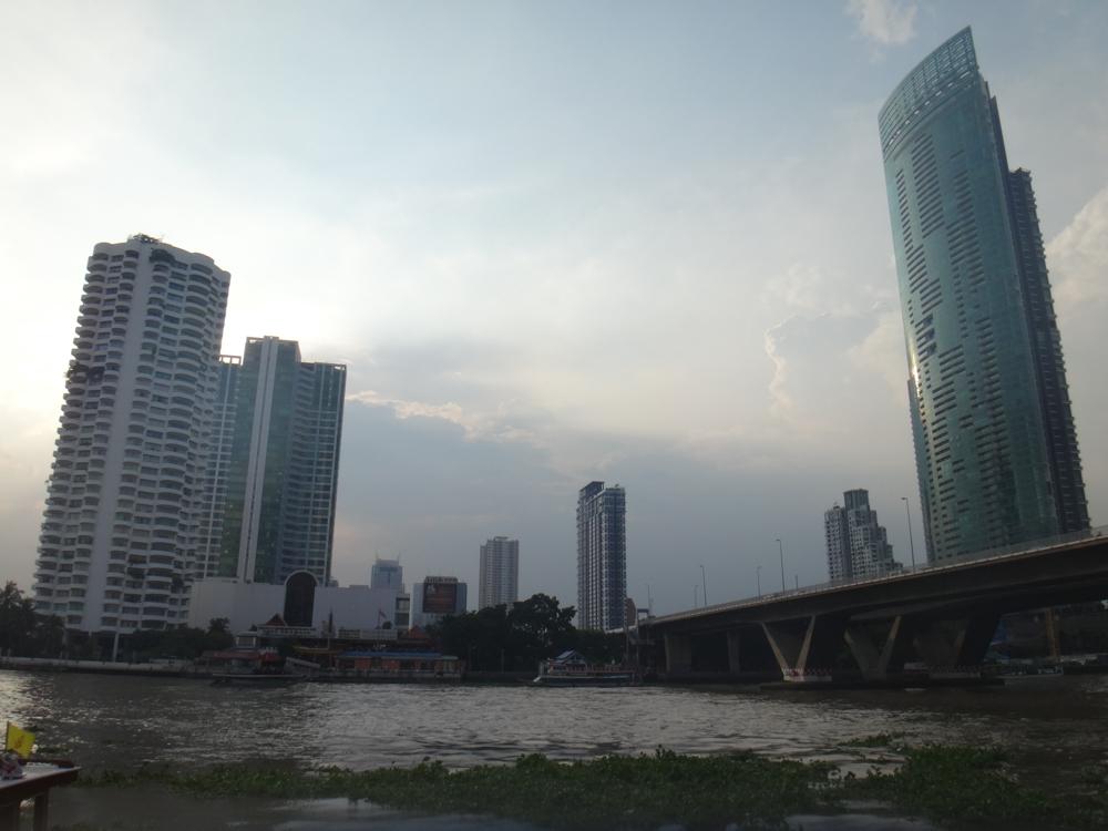 river-condo